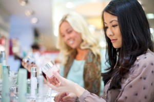 Smart and Sexy Beauty Tips for Your Holiday Shopping